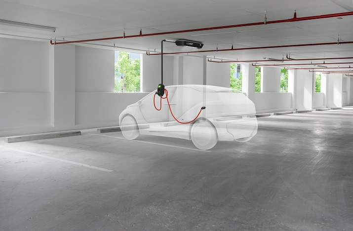 EasyCharge's Leviamp technology has a 180-degree charging arm and LED lighting for commercial and residential parking. Source: EasyCharge