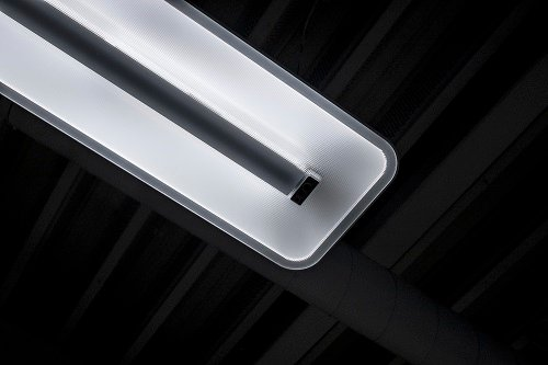 The power-over-Ethernet lighting built into the smart office. Source: Philips Lighting