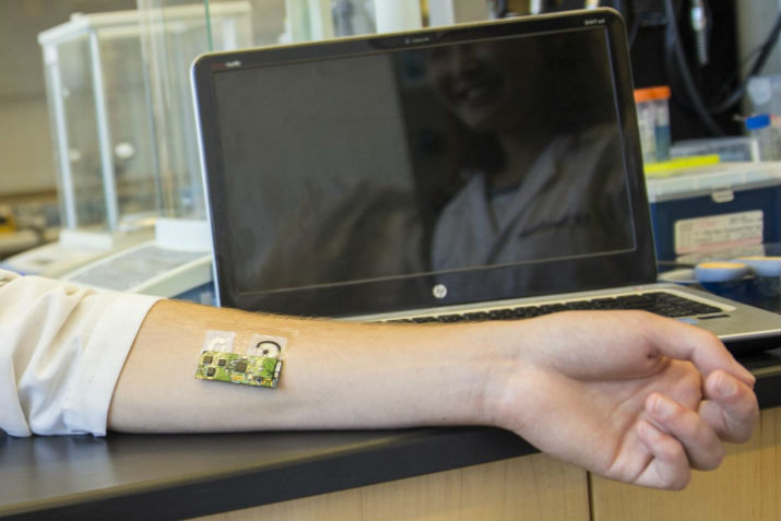 This flexible, wearable sensor can be worn on the arm to detect alcohol level. (Image Credit: UC San Diego)