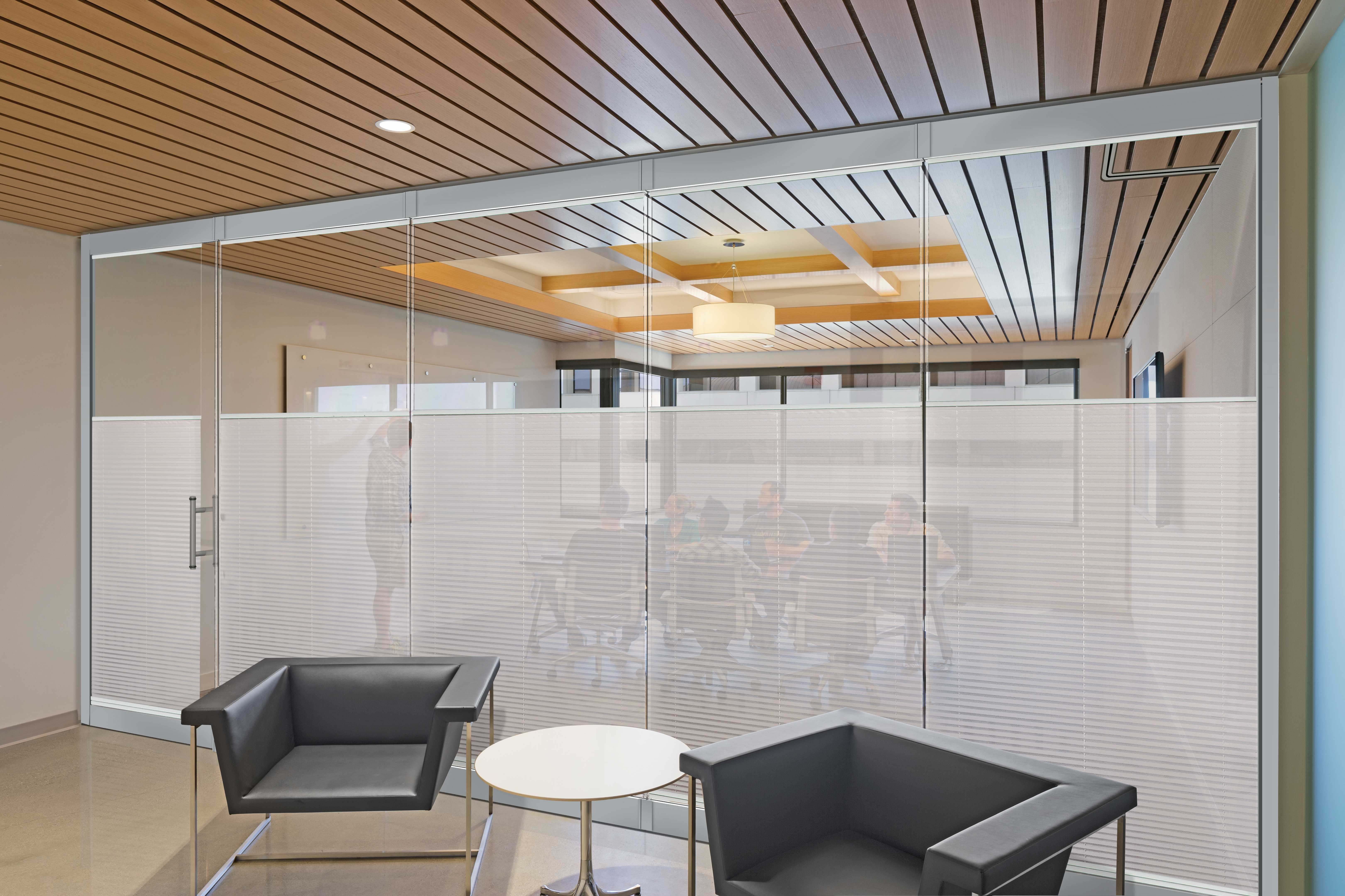 Watch: Frameless Glass Wall Panel System Can be Used for Privacy and