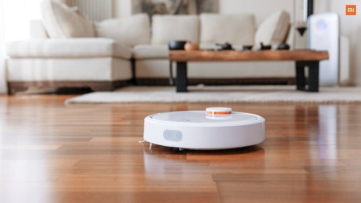 The Mi Robot Vacuum includes 12 sensors and three processors for real-time mapping and positioning, so it will not bump into objects or fall down stairs. Source: Xiaomi