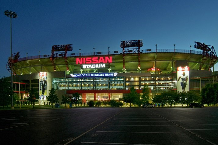 The LG LED lighting system uses embedded sensors and wireless controls in order to control Nissan Stadium's lighting simultaneously. Source: LG