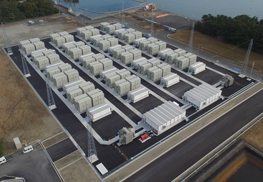 The energy storage system uses overall control and improved operation efficiency through control modules in a multiple module system. Source: Mitsubishi Electric