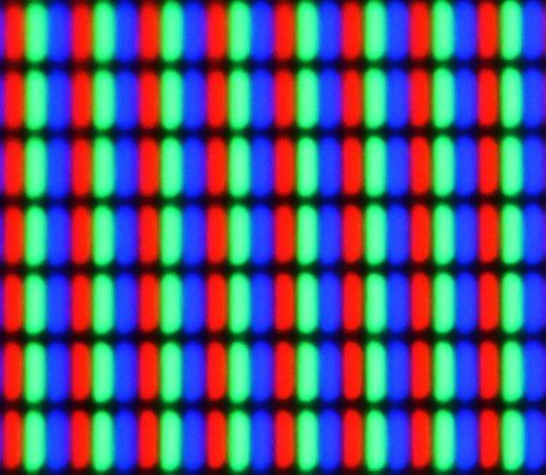 A magnified view of the pixels on an LCD monitor showing individual red, green and blue subpixels. Source: Dave Pape / CC BY 2.0