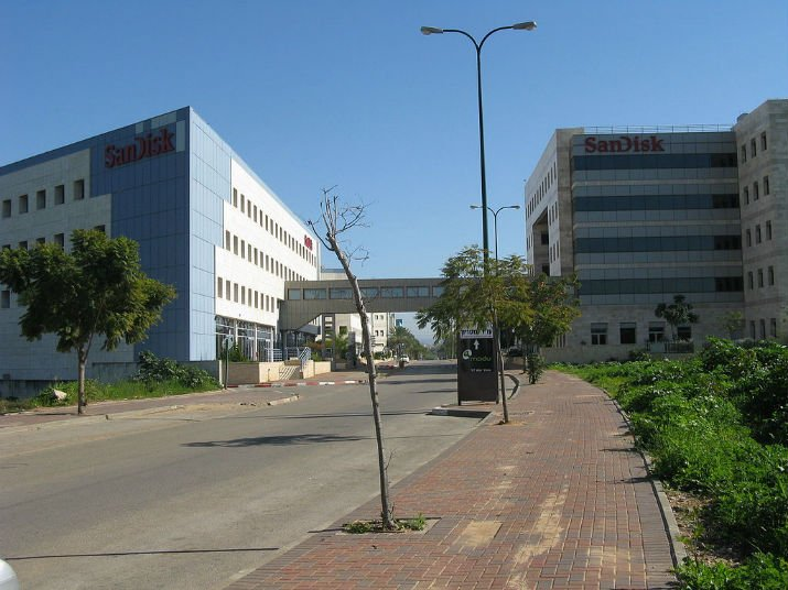 The former M-Systems headquarters is now a SanDisk facility.