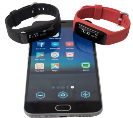 This fitness band for kids tracks exercise, then unlocks mobile devices. Source: PlayGoal