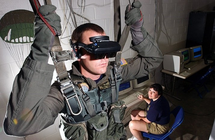 VR parachute trainer at the Naval Survival Training Institute. Source: Chris Desmond/U.S. Navy