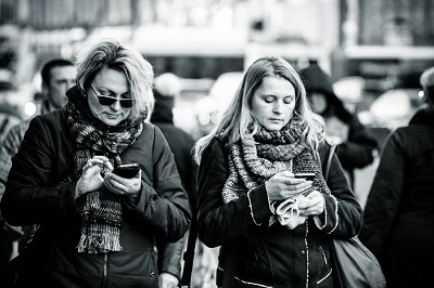 Growing concern over the effects of device addiction or dependence is leading to increased interest in digital detox. Source: Farhad Sadykov / CC BY 2.0
