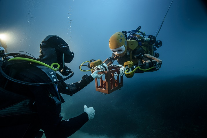 OceanOne was designed for joint operations with human divers. (Image Credit: Frederic Osada and Teddy Seguin/ DRASSM)