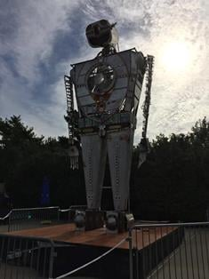 Robot Resurrection, a 28-foot-tall, human-piloted robotic sculpture constructed of 95% airplane parts built by maker Shane Evans.