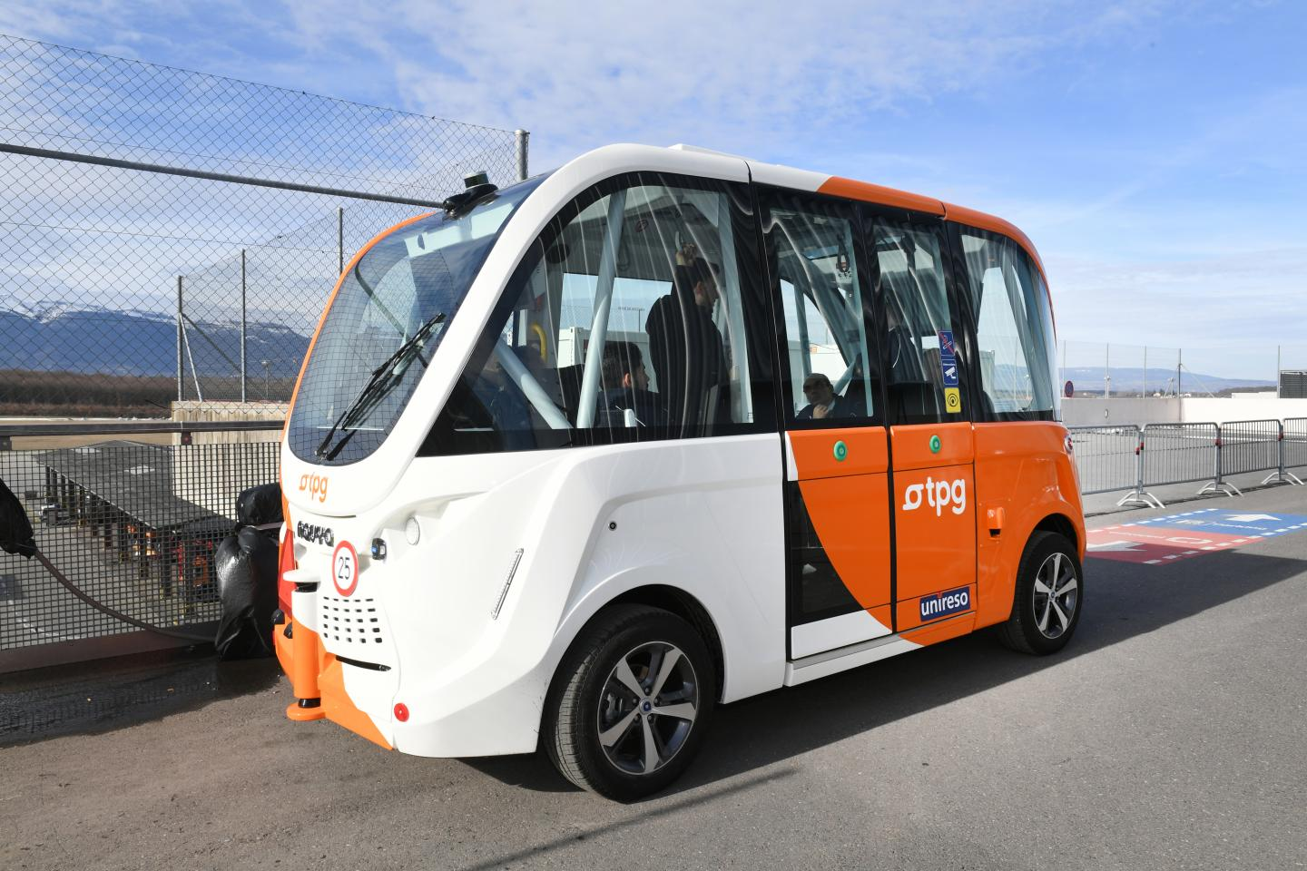 This is the autonomous vehicle Navya Arma (model DL4) acquired by the Transports publics genevois (tpg) in August 2017. Source: © TPG