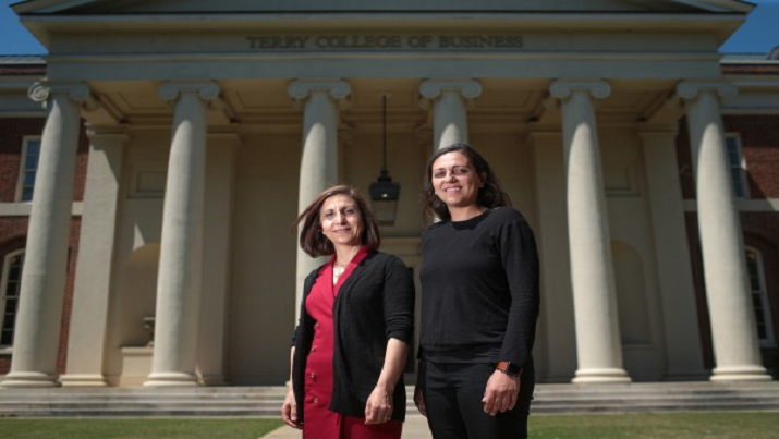 Researchers Carolina Salge and Elena Karahanna (Newswire)