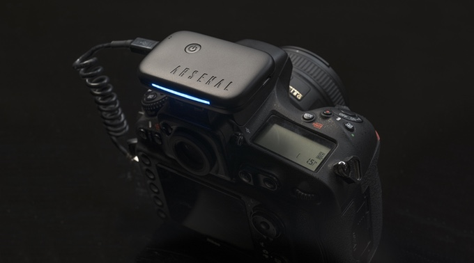 A gadget that helps determine the best photo settings and wirelessly take photos. Source: Arsenal