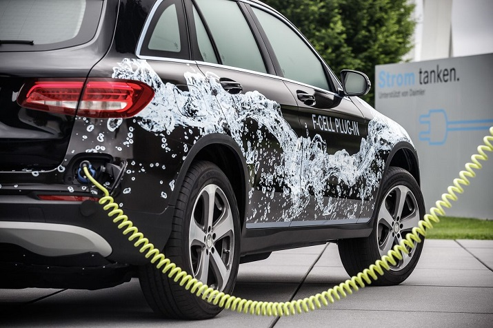 The GLC F-Cell plug-in hybrid electric-hydrogen fuel cell vehicle will be released onto the market in 2017. Source: Daimler
